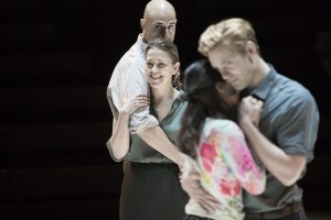 Mark Strong, Nicola Walker, Phoebe Fox, Luke Norris in A View from the Bridge-1-©-Jan-Versweyveld