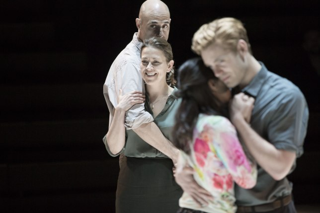 6 Mark Strong, Nicola Walker, Phoebe Fox, Luke Norris in A View from the Bridge-1-©-Jan-Versweyveld