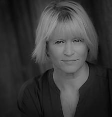 Lisa Palfrey by Catrin Arwel BW